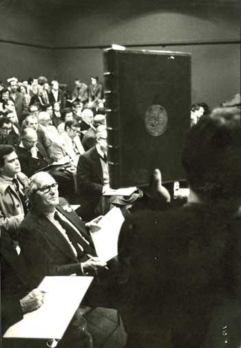 NRLA+4+OUVRARD+Ber%25C3%25A8s+vente+biblioth%25C3%25A8que+R.+Peyrefitte+1976-1977.jpg